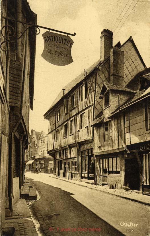 Bernay - Rue Gaston Folloppe (22)