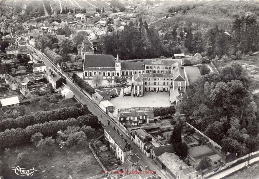 Bernay - Vue aérienne du lycée st Anselme