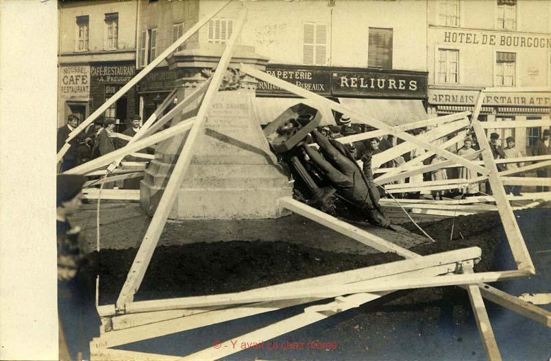 Bernay - Place Gustave Héon
