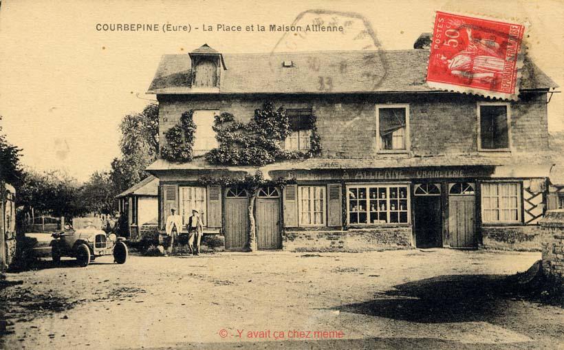 Courbépine - La place et la Maison Allienne