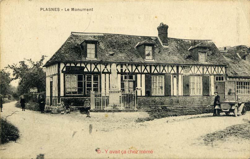 Plasnes - Le monument