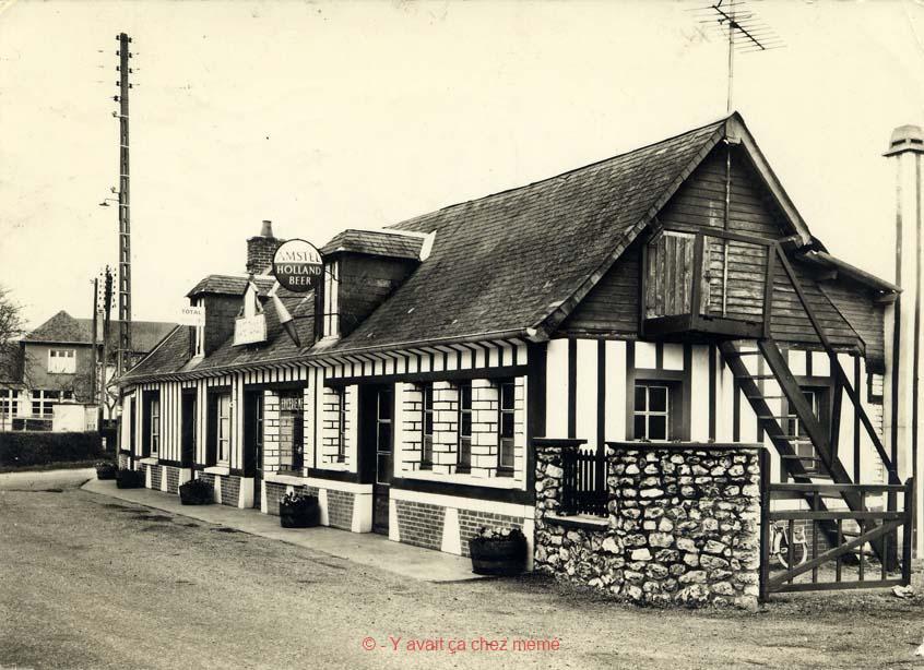 St-Aubin-le-Vertueux - Le café