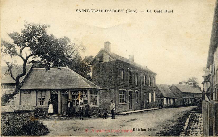St-Clair-d'Arcey - Le café Huet