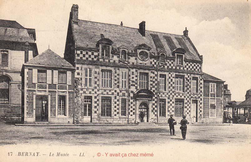 Bernay - Place Guillaume de Volpiano