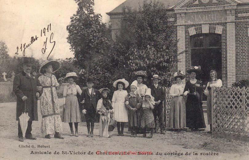St-Victor-de-Chrétienville - Sortie du cortège de la rosière