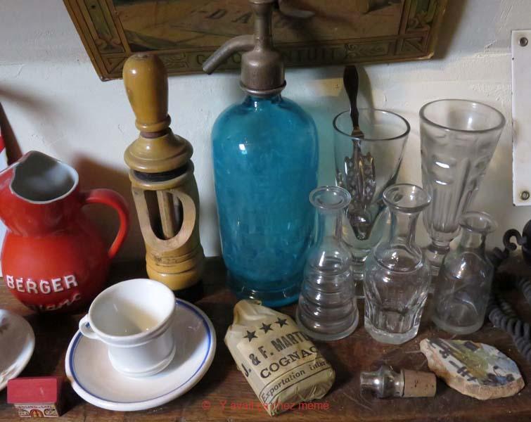 Café - Verres et topettes à absinthe