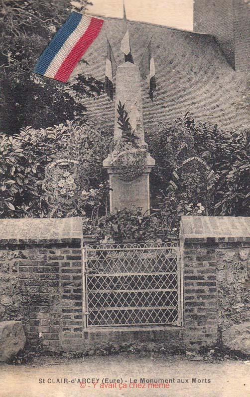 St-Clair-d'Arcey - Le monument aux morts