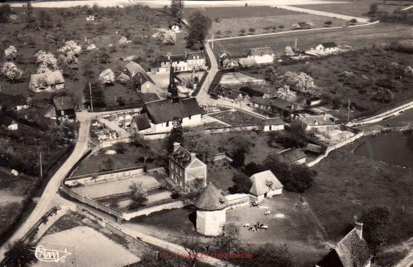 St-Aubin-le Vertueux - Vue aérienne du village