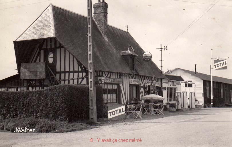 St-Victor-de-Chrétienville - Le café et la station aux Quatre Vents (RD 131)