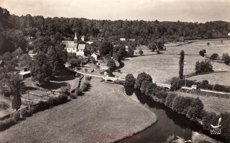Ferrières-St-Hilaire - Vue aérienne du village