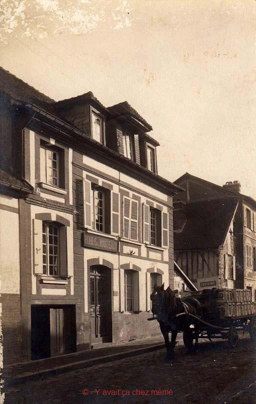 Bernay - Rue de la Charentonne (31)