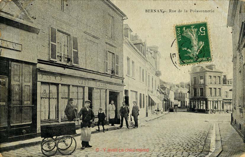 Bernay - Rue Michel-Hubert Descours (25)