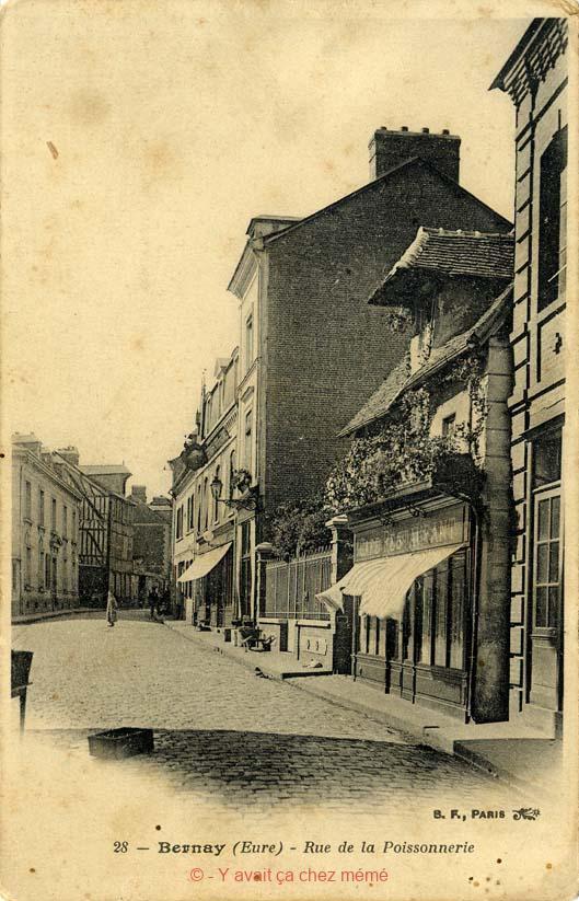 Bernay - Rue Michel-Hubert Descours (37)