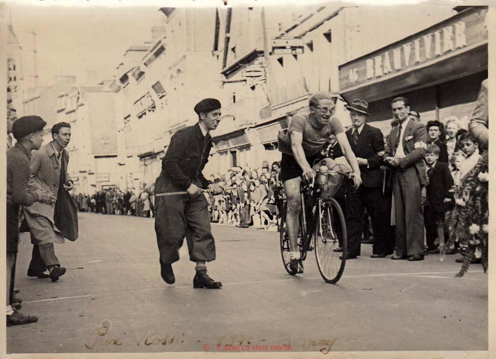 Bernay - Rue Thiers (49) - Prix Rossi 1946