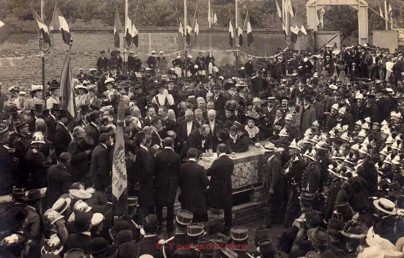 Pose de la première pierre en 1907 par Henri Chéron du pavillon du même nom
