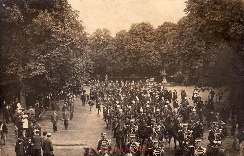 Défilé du 17ème place de Verdun