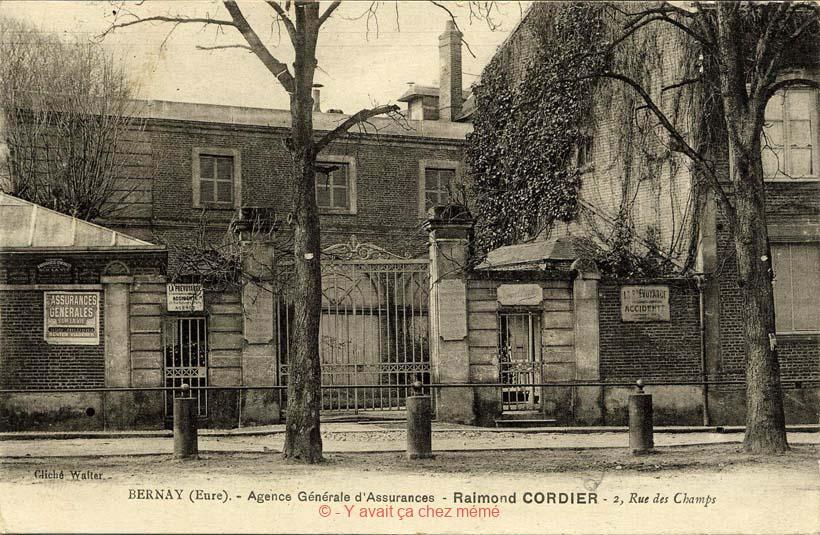 Place de Verdun - 2 rue Kleber Mercier à l'angle de la rue de la Défense - Cet ensemble a été détruit
