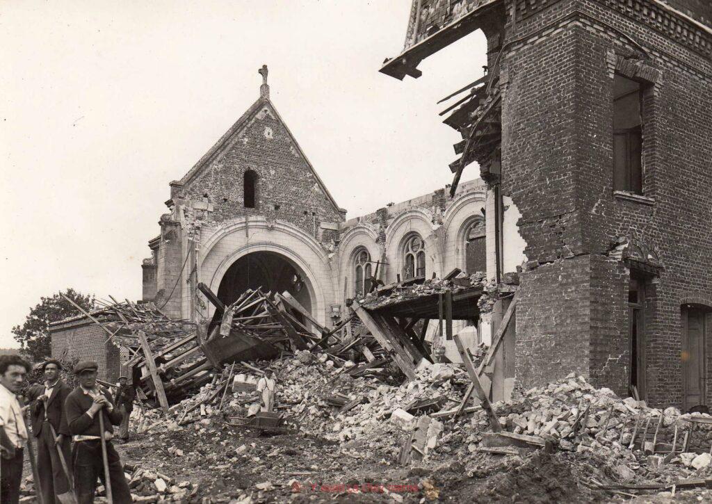La chapelle de l'école suite au Bombardements du 27 juillet 1944